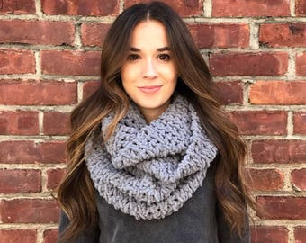 Blanket Scarf, Infinity Scarf, Gray Scarf, Gray Infinity Scarf, Crochet Scarf, Chunky Scarf, Chunky Crochet, Circle Scarf, Fall, Winter