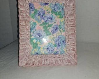 Vintage Pink Wicker Picture Frame,Cottage Chic,Beach Decor,Shabby Chic Decor,Pink Wicker Photo Frame,Pink Picture Frame, Pink Frame,Pink