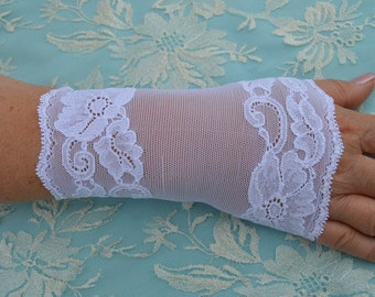 Cuffs in white lace, Bridal white lace manchond blanchemanchons bridal lace, wedding sleeve cuffs, lace