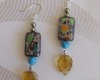 Dichroic bead earrings, swarovski crystal, transparent sheet.