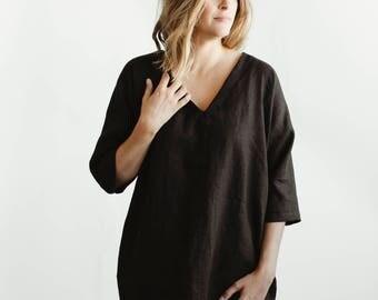 Black Washed Linen V-neck Dress. Seasonless Dress. Linen Tunic. Black Dress. 3/4 Sleeves.