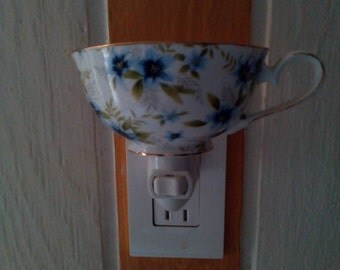 Vintage Violets Night Light Teacup Lamp