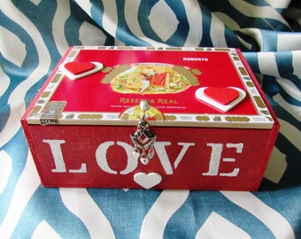 Mother's Day Jewelry Box / Valentine Cigar Box / Romeo & Juliet Cigar Jewelry Box / Wood Cigar Box/ Trinket Box / Romance / Keepsake Box