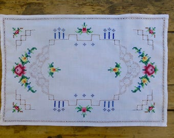 Embroidered Cotton Tray Cloth or Table Topper 39x26cm