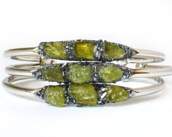 August Birthday Jewelry, Peridot Bracelet, Peridot Birthstone Jewelry, Green Peridot Jewelry, August Green Peridot, Raw Peridot Jewelry