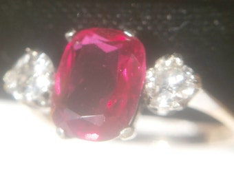 FREEPOST!  NATURAL Diamond and rare Tanzania red spinel 9ct gold ring