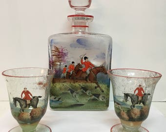 Polychrome Decanter w/2 Glasses, depicting a hunt scene.  // Bar / Barware / Equestrian / Gift Idea / Hunt / Dogs / Horses / Entertain //