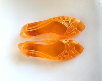 VINTAGE 80's Jelly Peep Toe Sandals // Clear Orange Glitter // Slip On // Kitten Heel // Women's size 6