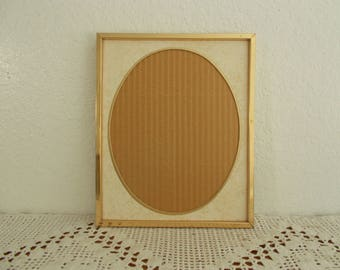Vintage Gold & Ivory Oval Picture Frame 8 x 10 Photo Decoration Mid Century Hollywood Regency Shabby Chic Cottage Retro Home Decor Wedding