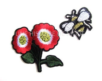 Duo of Patch, red flowers and bees to sew or iron fusible badge