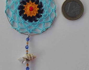 Mandala crochet pendant with cotton yarn, craftsman, original, crystal beads and conch, cheerful, colorful and vegan.