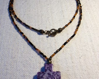 Necklace glass beads and cross glass
