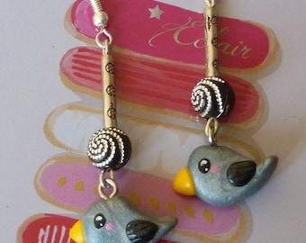 Silver 925 earrings with a grey kawaii bird made with polymer clay and rhinestones bead