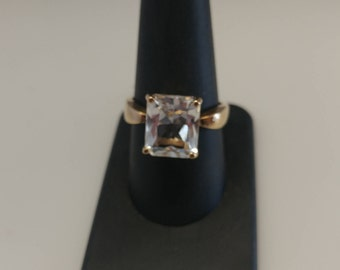 10k Clear Topaz Ring
