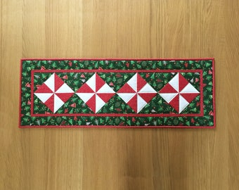 Christmas Table Runner, Holiday Table Runner, Pinwheel Table Topper, Quilted Table Runner, Festive Table Mat, Christmas Wall Hanging