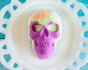 Skull Bath Bomb, Pirate Party Favor, Halloween Bath Bomb, Halloween Favor, Horror Bath Bomb, Scary Party Favors, Dia De Los Muertos, Goth