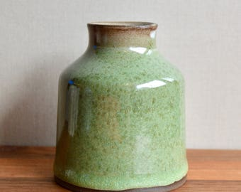 Ceramic bud vase, green