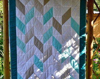 Quilt--Patchwork quilt--Handmade Quilt--cotton--turquoise & coffee with cream quilt