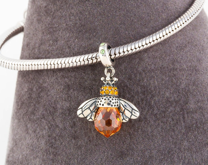 Queen Bee Charm, Silver Jewellery Necklace Charm, Bumblebee Pendant, Charms for Bracelets, Girls Necklace Pendant