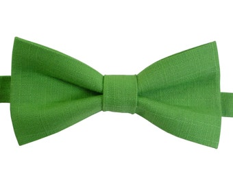 Green Linen Bow Tie For Wedding, Green Bow tie for groomsmen, mens Green bow tie, boys Green bow tie, baby Green bow tie, pre-tied Bow Tie