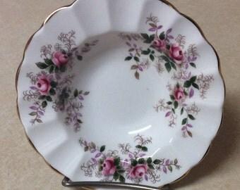 Royal Albert Bone China Lavender Rose Pattern Porcelain Ashtray Fluted Dish White Floral