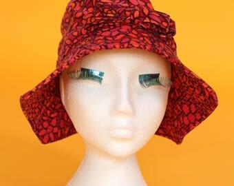 Liberty of London 1960s/1970s Vintage Red, Pink and Orange Floral Print Velvet Sun / Beach Hat.
