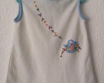Vintage 1960s White Baby Blue Embroidered Floral Crimplene Mini Dress 18-24m