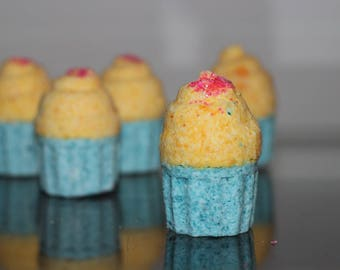 Cupcake Bath Bomb/Fizzie - Two Layers/Scents