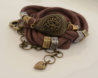 Brown fabric bracelet