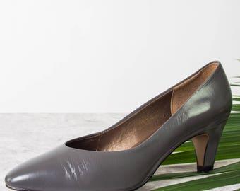 Vintage Leather Heels in Grey