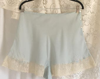 Vintage 1940's Embroidered Tap Pants