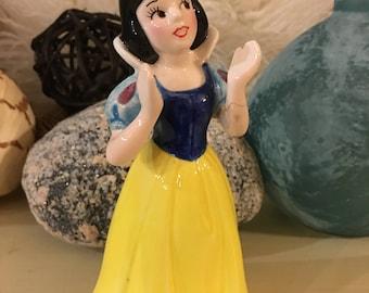 Walt Disney SNOW WHITE And The Seven Dwarfs Ceramic Figurine Disney Malasia