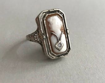 Vintage white gold shell cameo/onyx flip ring