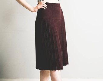 Dark Brown Pleated Knitted wool blend midi skirt // 1980s // cute and kitsch // Made in the UK