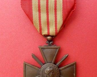 French War Cross Military Medal - WWII - France - Croix de Guerre - World War 2 - 1939
