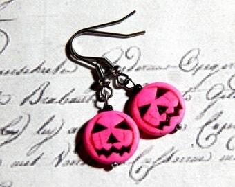 Halloween Pumpkin Earrings - Hot Pink Jack-O-Lanter Dangle Earrings
