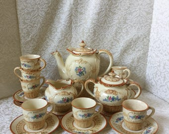 Marumom Japanese Pottery Tea Set Hand Painted Service for 8 1920s