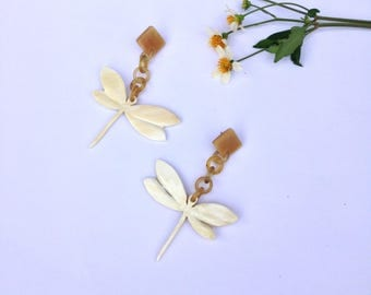 Dragonfly carving buffalo horn earrings ivory white 90mmx70mm, buffalo horn accessories, Gift for her [TTC20]