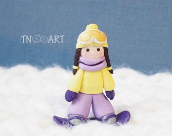 Snowboarder Girl Magnet / handmade polymer clay magnet / refrigerator magnet / Cute snowboarding girl / snowboard snow / yellow purple color
