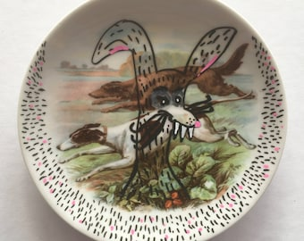 Hare with attitude: Redecorated, vintage, wall plate from Bavaria