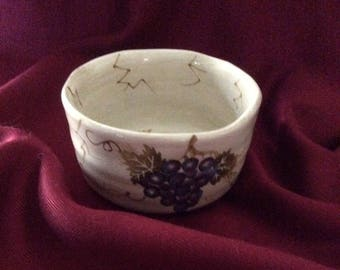 Tabletops Unlimited / Soup Cereal Bowl / Cabernet Pattern / Made in China