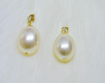 Frenchie's Kisses Vintage 1960's Pearl bead Modesty