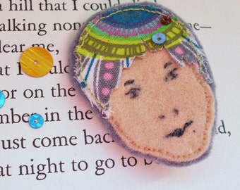 Face Brooch - Multicoloured hair