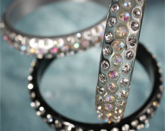 SALE 3 Resin and Crystal Bangles Bracelets, 3 Piece Matching Set, evening, women, black, silver, clear, rhinestone, aurora borealis, vintage