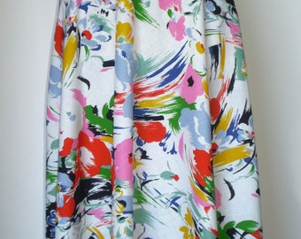 Vintage floral print full skirt; wide skirt with pockets; 80s cotton skirt