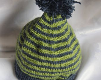 Baby hand knitted beanie / Hat 6-12 months