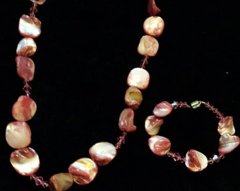 Pink crystal and mother of pearl beaded necklace and bracelet set