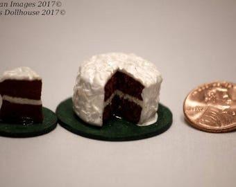 1:12 Scale Red Velvet Cake