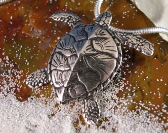 Sterling Silver Green Sea Turtle Pendent