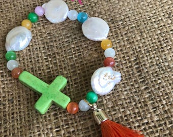 Bracelet Pearl cultured Cross and agates.